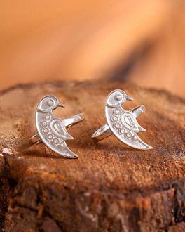 8d88758a539 Silver Bird Motif Toe Rings