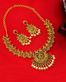 31e3c757e29 Faux Pearls Embellished Necklace Set