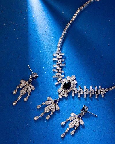 NY Collection Studded Leaf Drop